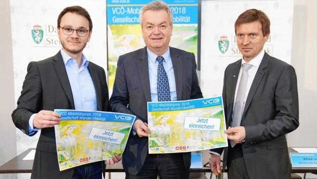 Freuen sich auf schlaue Mobilitäts-Projekte: Markus Gansterer (VCÖ), Landesrat Anton Lang und Alfred Loidl (ÖBB-Postbus, v. li.)