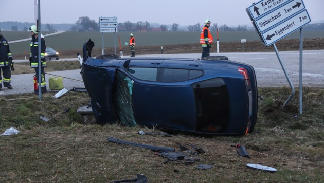 Bei dem schweren Kreuzungscrash in Sipbachzell wurden insgesamt drei Insassen verletzt