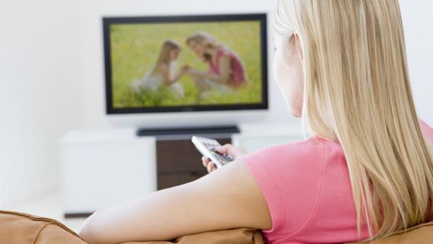 Fernsehen ist äußerst beliebt (Symbolbild). (Bild: stock.adobe.com, krone.at-Grafik)