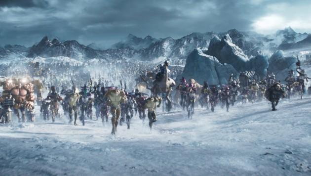 Bei der finalen Schlacht kommen unzählige Figuren der Popkultur zum Einsatz (Bild: Warner Bros. Entertainment Inc.)