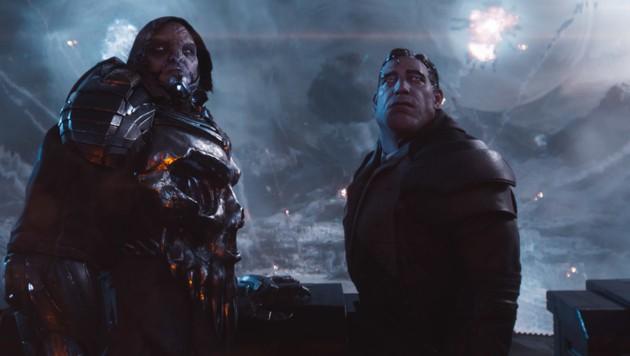 Ein Fiesling wie Sorrento braucht einen aufgemotzten Avatar (rechts) und Hilfe von einem echten Gunter. (Bild: Warner Bros. Entertainment Inc.)