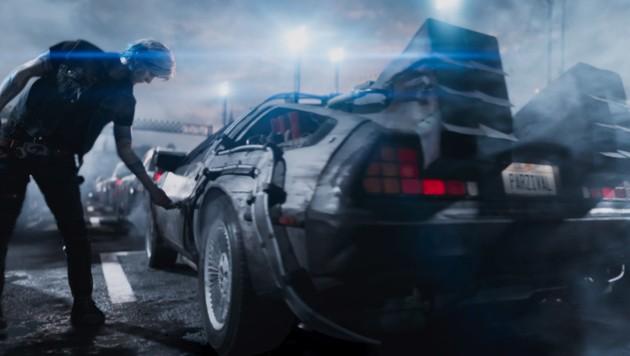 """Der DeLorean aus """"Zurück in Zukunft"""" ist Parzivals bevorzugtes Fortbewegungsmittel in der VR-Welt (Bild: Warner Bros. Entertainment Inc.)"""