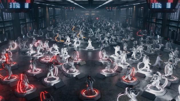 IOI setzt eine ganze VR-Armee bei der Jagd nach den Schlüsseln ein. (Bild: Warner Bros. Entertainment Inc.)