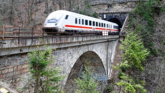 ÖBB Brückenvermessung per Drohne, Klammsteinbrücke (Bild: GERHARD SCHIEL)