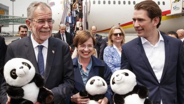 Bundespräsident Alexander Van der Bellen mit Ehefrau Doris Schmidauer und Bundeskanzler Sebastian Kurz