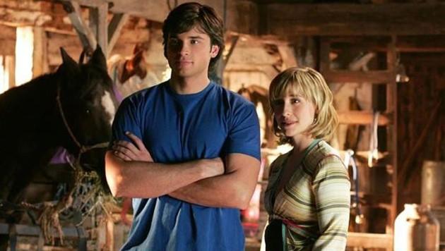 """In """"Smallville"""" spielte Allison Mack die Rolle von Chloe Sullivan, der Freundin von Clarke Kent (Tom Welling), dem späteren Superman. (Bild: Warner Bros. Television)"""
