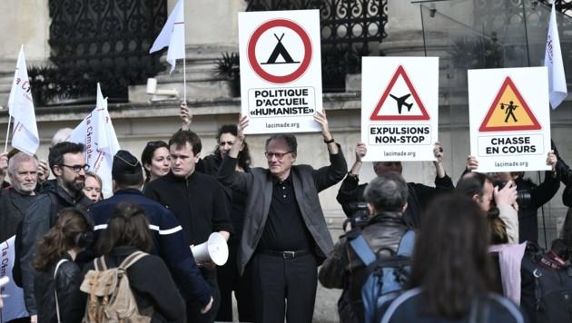 Proteste gegen die verschärften Asylgesetze (Bild: AFP)