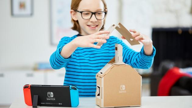 Das Labo-Haus gehört zu den komplexeren Bausätzen. Ist es fertig, wird die Switch damit kombiniert und auf ihrem Bildschirm taucht eine Art Tamagotchi auf. (Bild: Nintendo)