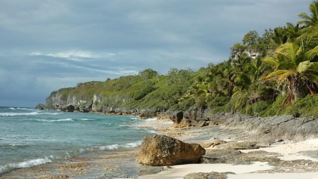 Ein noch nicht verschmutzter Strand auf Herderson Island (Bild: UNESCO)