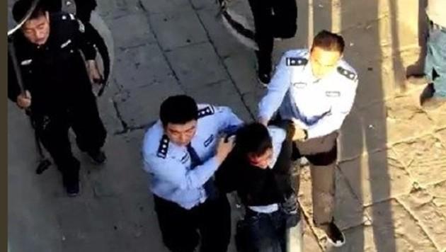 Der Angreifer wurde nach der tödlichen Messerattacke auf Schulkinder festgenommen. (Bild: twitter.com)