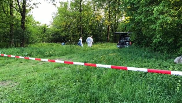 Hier, am Innufer, wurde die Leiche entdeckt. (Bild: www.zeitungsfoto.at)