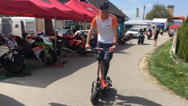 Matthias Lanzinger ist auch in Rennpausen auf zwei Rädern unterwegs. (Bild: Stephan Schätzl)