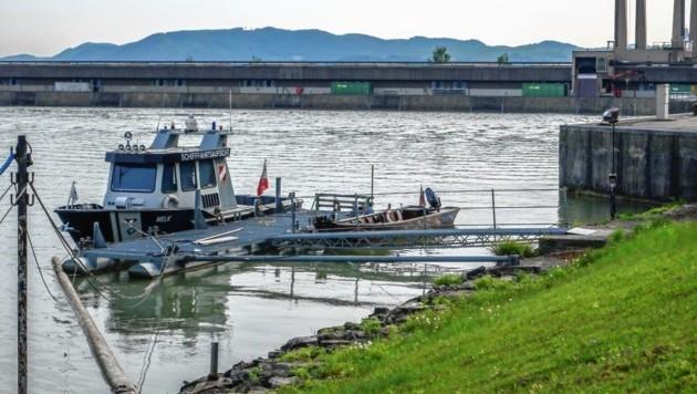Beim Donaukraftwerk Melk wurde die Leiche von Arbeitern entdeckt. (Bild: einsatzdoku.at/Imre Antal)
