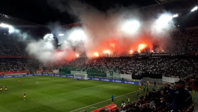 Super-Stimmung gab's bei den ÖFB-Cup-Finali in Klagenfurt immer. Die ist für die kommenden drei Jahre im Wörthersee Stadion wieder garantiert. (Bild: Kronen Zeitung)