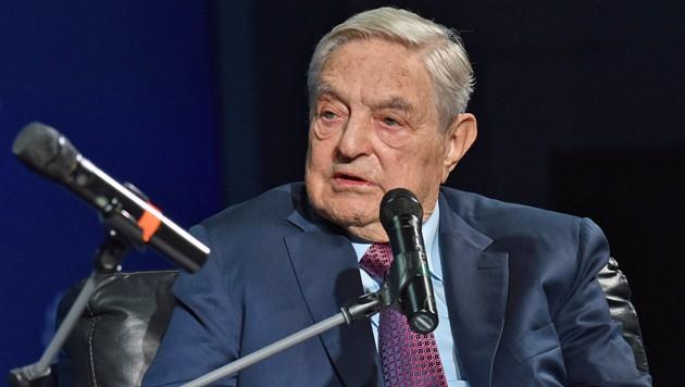 George Soros geht: Der US-Milliardär mit ungarischen Wurzeln verlagert seinen Europa-Schwerpunkt von Ungarn nach Deutschland. (Bild: AFP/GETTY IMAGES)