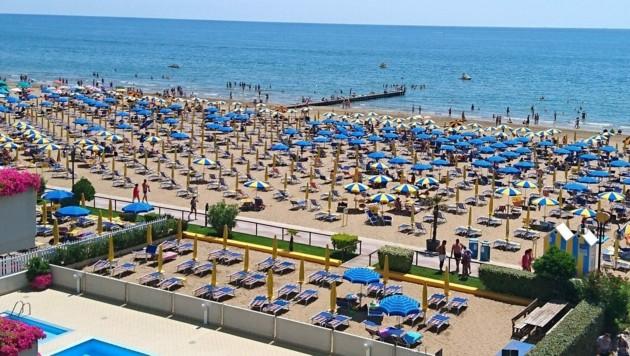 Der Strand von Jesolo (Bild: Hubert Rauth)