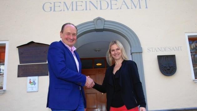 Bürgermeister Adolf Hinterhauser und die neue Vizebürgermeister Daniela Zauner. (Bild: Felix Roittner)