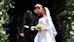 Der royale Hochzeitskuss (Bild: AFP and licensors)