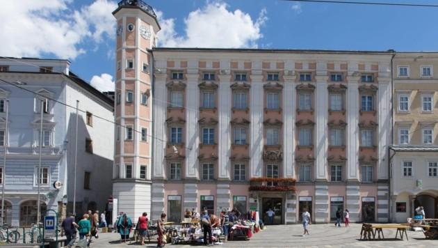 Im alten Linzer Rathaus sitzt die politische Führung der Stadt. In den SPÖ-Büros soll es trotz des bevorstehenden Sonderprüfberichtes des Kontrollamtes recht ruhig sein (Bild: SEPA.Media KG   Stephan Natschlaeger   www.sepa.media)