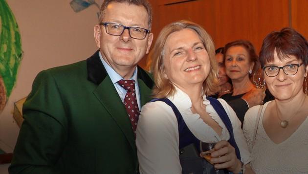 Außenministerin Karin Kneissl und ihr Lebensgefährte Wolfgang Meilinger wollen einander am 18.8.2018 das Jawort geben. (Bild: Franz Neumayr, krone.at-Grafik)