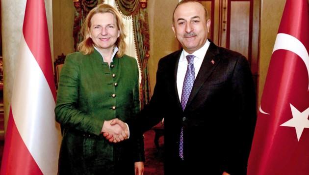Jänner 2018: Kneissl trifft ihren türkischen Amtskollegen Cavusoglu in Istanbul. (Bild: APA/BMEIA/ANGELIKA LAUBER)