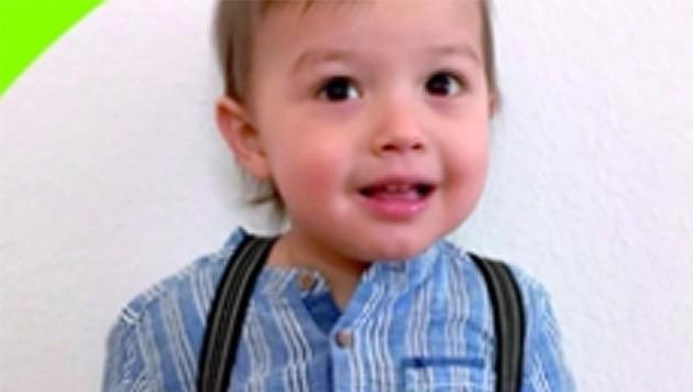 Der zweijährige Efe benötigt dringend einen Stammzellenspender. (Bild: Screenshot www.gebenfuerleben.at)