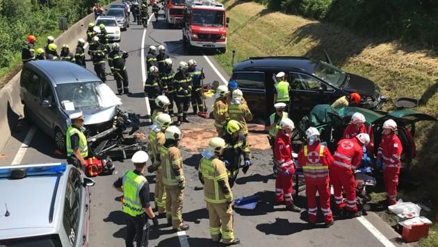 Ein Todesopfer gab es bei dem Unfall in Pichling zu beklagen. (Bild: Kerschi)
