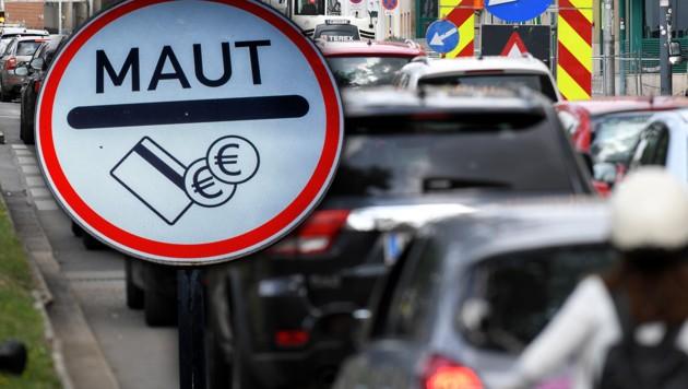 (Bild: APA/Roland Schlager, APA/dpa-Zentralbild/Jens Büttner, krone.at-Grafik)