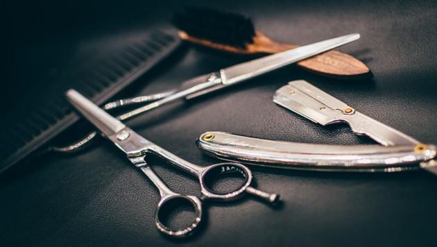 Ein Friseur musste sich jetzt vor Gericht verantworten. (Bild: stock.adobe.com)