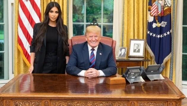 kim kardashian nackt vor dem spiegel