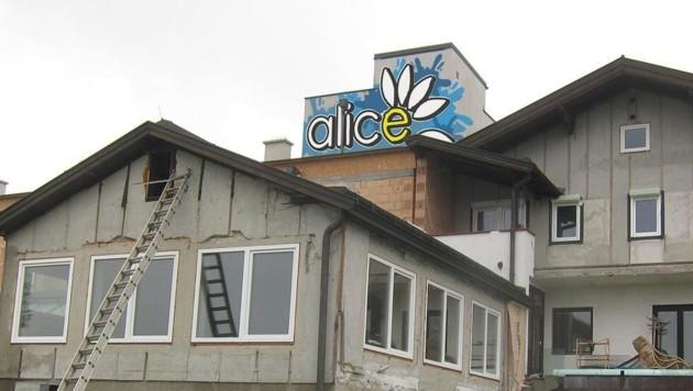 In Neulengbach (NÖ) gibt es nun ein Haus (hier ein Bild vom Umbau), in dem junge Menschen mit Handicap ein selbstbestimmtes Leben führen können. (Bild: Johann Lorentz)