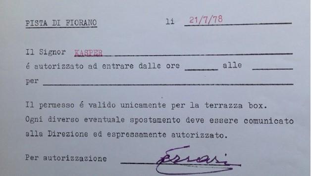 Vor 40 Jahren begann die PS-starke Karriere von Heribert Kasper, als er 1978 in Maranello seinen ersten Ferrari abholte und ihm Enzo Ferrari persönlich erlaubte, über die Ferrari-Hausstrecke zu fahren. (Bild: Heribert Kasper)