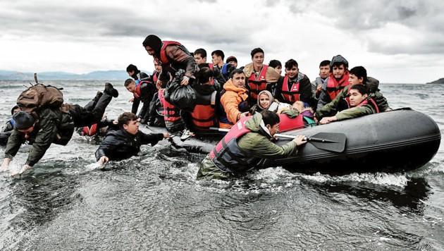 Zehntausende Flüchtlinge auf dem Weg nach Europa!