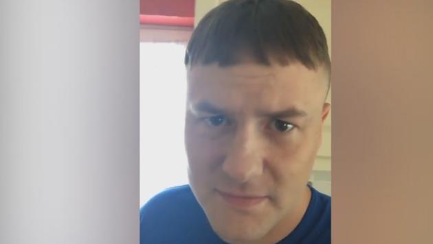 Vater Argert Sich Uber Seinen Neuen Haarschnitt Krone At