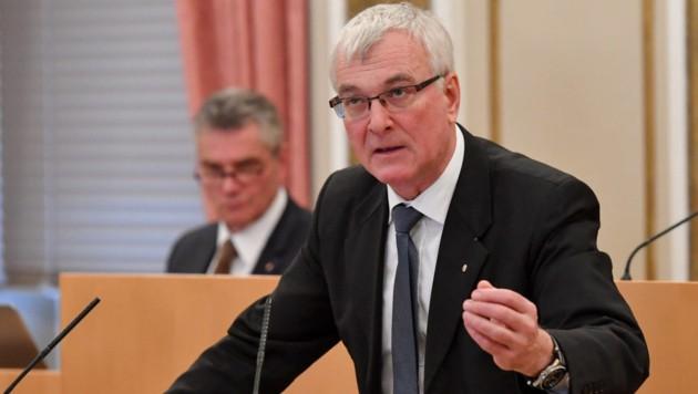 SPÖ und Grünen fordern den Rücktritt von FPÖ-Landesrat Elmar Podgorschek. (Bild: Harald Dostal)