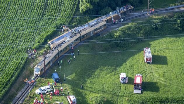 Eine Luftaufnahme der Unfallstelle (Bild: APA/PAUL PLUTSCH)