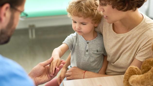 Ab vier Jahren können Kinder ihre Schmerzen selbst einschätzen. (Bild: seventyfour/stock.adobe.com)