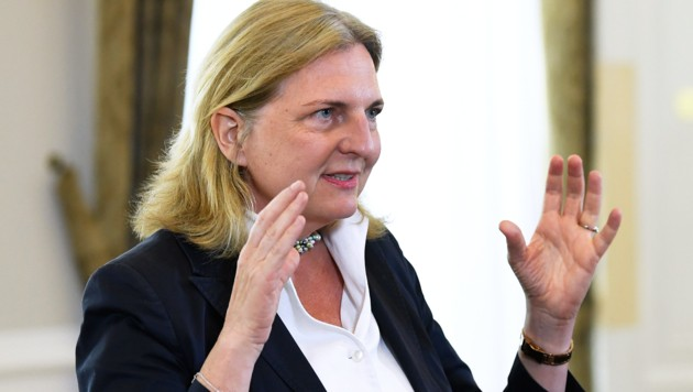 Karin Kneissl (Bild: APA/ROBERT JAEGER)