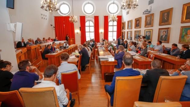 Rahmenbedingungen für Bauprojekte sollen in Zukunft im Stadtsenat, nicht mehr im Gemeinderat beschlossen werden. (Bild: Markus Tschepp)