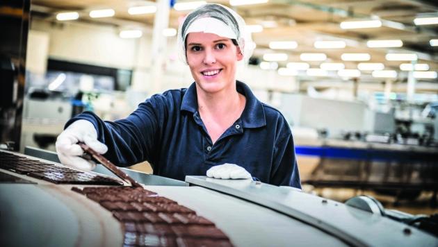 Fünf Tage pro Woche läuft die Produktion in der Schokoladefabrik in Sattledt.
