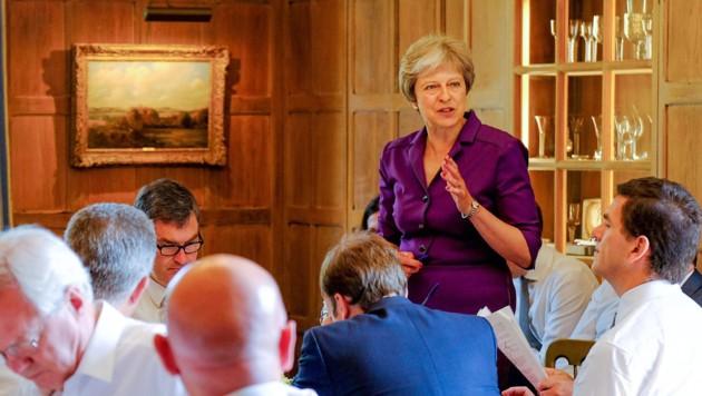 Die britische Premierministerin Theresa May formulierte auf dem Landsitz Chequers mit ihrem Kabinett einen neuen Brexit-Plan.