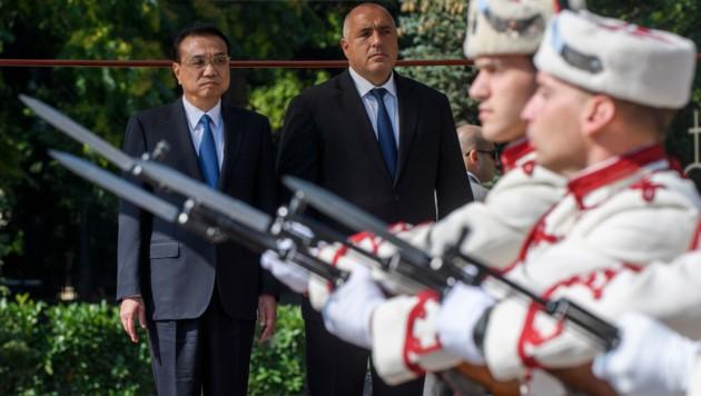 Die Premierminister von China und Bulgarien: Li Keqiang und Bojko Borissow (Bild: APA/AFP/Nikolay DOYCHINOV)