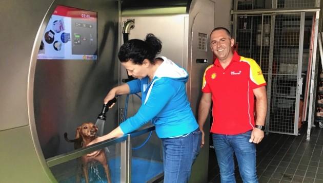 Heute, Mittwoch, wurde die Hunde-Tankstelle eröffnet