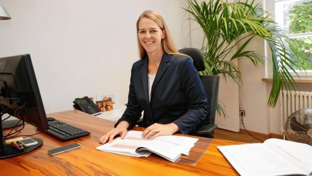 Landesrätin Andrea Klambauer in ihrem Büro (Bild: Markus Tschepp)