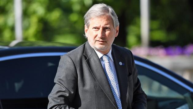 EU-Kommissar Johannes Hahn (Bild: APA/AFP/DIMITAR DILKOFF)