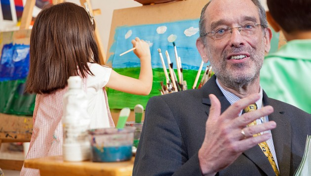 Bildungsminister Heinz Faßmann (Bild: stock.adobe.com, APA/GEORG HOCHMUTH, krone.at-Grafik)