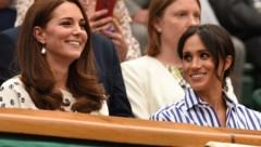 Die Herzoginnen Kate und Meghan 2018 in Wimbledon (Bild: AFP or licensors)