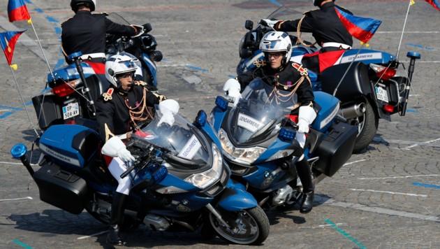 Ein Crash und falsche Farbe: Pannenparade in Paris