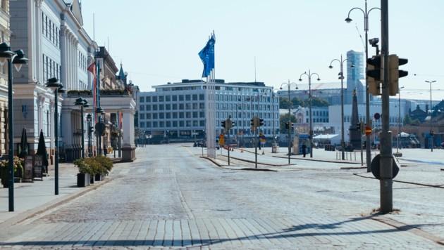 Leere Straßen auch vor dem Präsidentenpalast in der Hauptstadt Helsinki. (Bild: AFP)