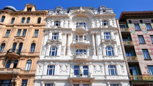 Am Naschmarkt stehen die wohl bekanntesten Gründerzeithäuser Wiens. (Bild: stock.adobe.com)